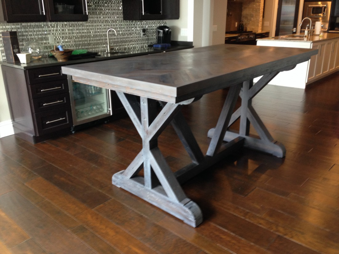 Reclaimed Chevron Dining Room Table | Fama Creations