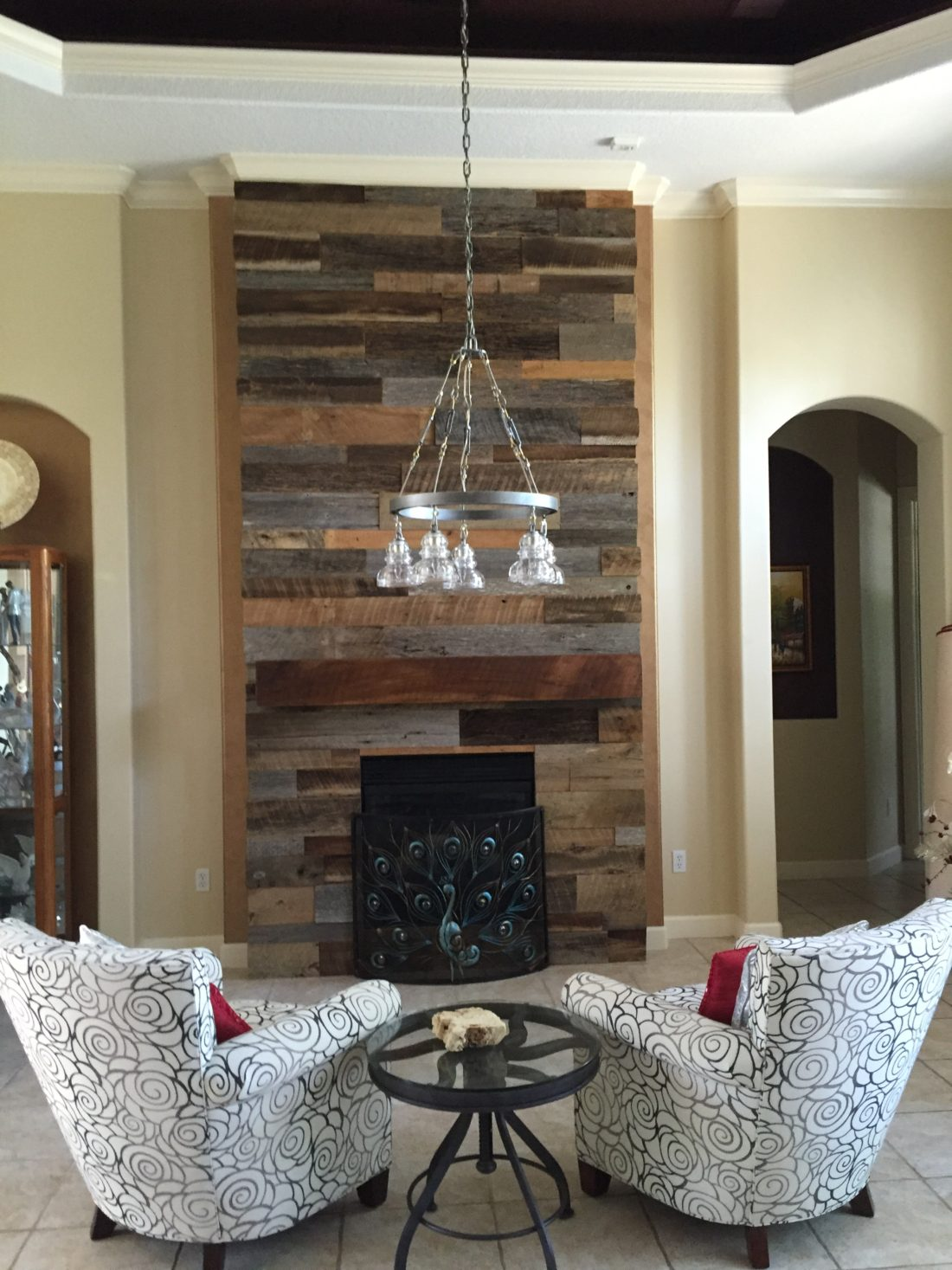 Reclaimed wood wall living room - Reclaimed Wood Wall Fireplace With Mantle