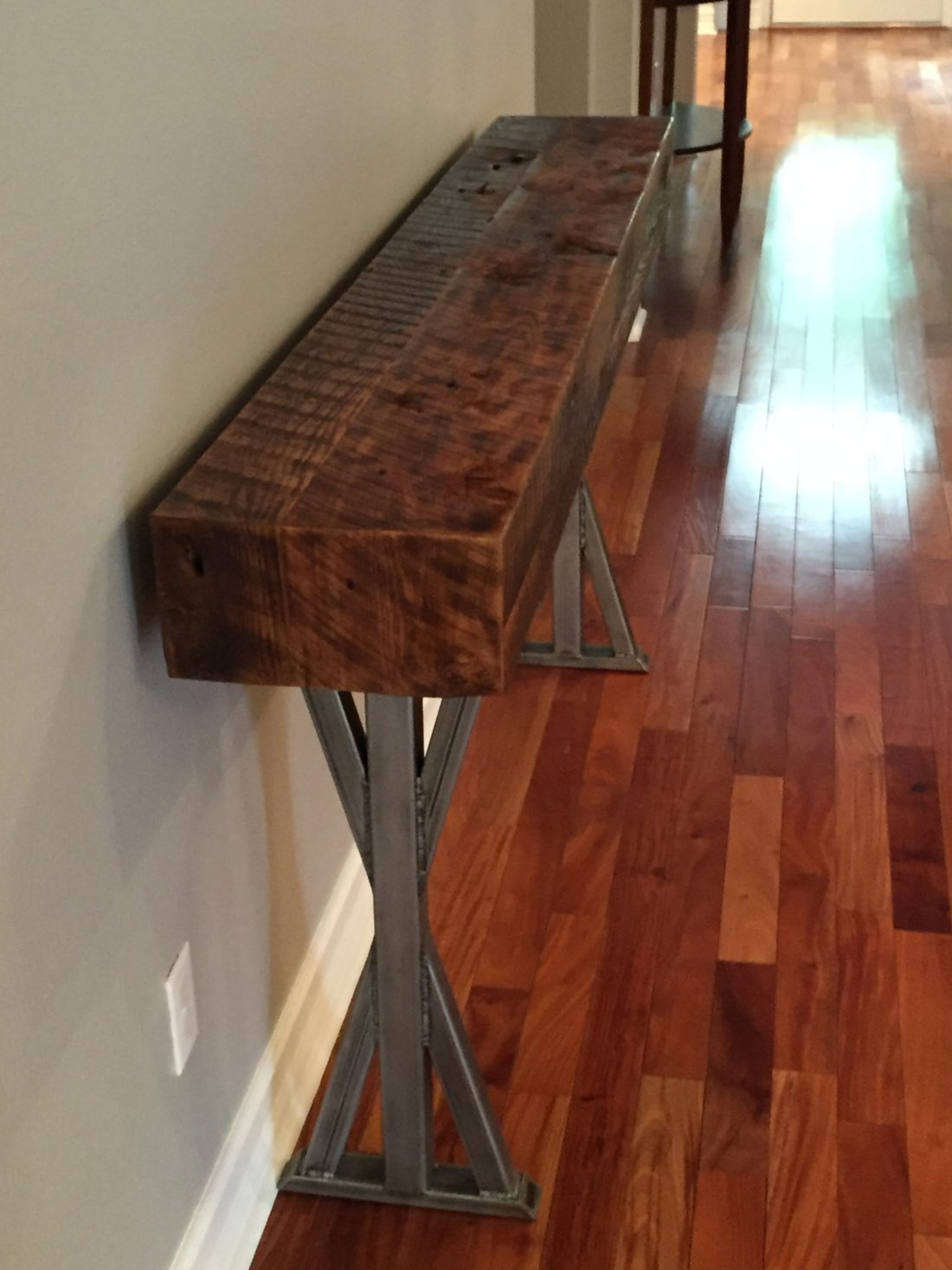 Trevor S Reclaimed Wood Foyer Table With Metal Legs Fama
